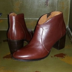 FRYE Nora Leather Ankle Booties